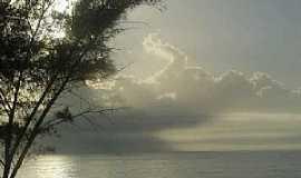 Macaé - Sol nascendo em Macaé, por guilhermemong