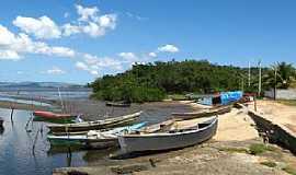 Magé - Barcos de pesca Magé - RJ por Erick Aniszewski