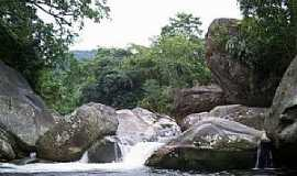 Magé - Cachoeira Grande - Magé - por Leonardo S. Oliveira