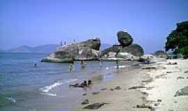 Mangaratiba - Praia de Itassunema foto por Tony Borrach