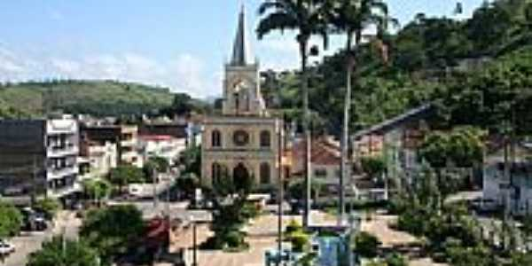 Praça Ferreira Rabelo no centro de Natividade-RJ-Foto:marlonzuza