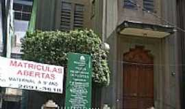 Nil�polis - Igreja em Nil�polis por elipacheco.rj