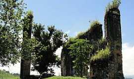 Papucaia - Papucaia-RJ-Ruínas do Convento da Santíssima Trindade-Foto:lpersil