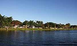 Itajuípe - Itajuípe-BA-Casas na Orla do Lago-Foto:PAULO HENRIQUE SOUZA
