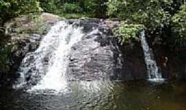 Penedo - Cachoeira em Penedo-Foto:Pl�nio Folego
