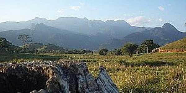 Piabetá-RJ-Serras-Foto:pt.wikipedia.org