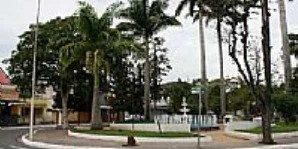 Praça Teixeira Campos em Pinheiral-RJ-Foto:Angelo Leonardo