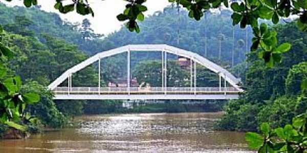 Ponte metálica sobre o rio Piraí - por Jorge A. Ferreira Jr.