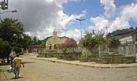 Itamari - Praça Nelson David Ribeiro em Itamari-BA-Foto: Miguel de Guilo