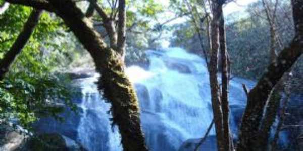 Cachoeira - Por Julio Cesar de Almeida