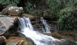 Sana - Sana-RJ-Cachoeira do Camping 7 Quedas-Foto:deixadefrescura.com