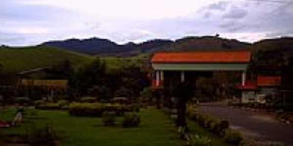 Pórtico de entrada de São Sebastião do Alto-Foto:alanira