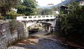 Teresópolis - Cascata dos Amores e a ponte em Teresópolis-RJ-Foto:Sergio Falcetti