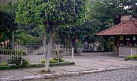 Valão do Barro - Praça em Valão do Barro-Foto:João B.C.T. Lima