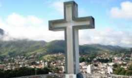 Valen�a - Cruzeiro com os morros em volta da cidade, Por M�rcia Silva