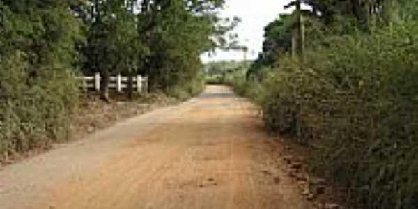 Estrada de terra-Foto:Edna Barros