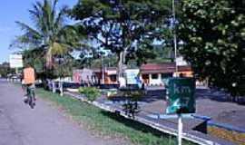 Itapé - Praça em Itapé-BA-Foto:Dimas Justo