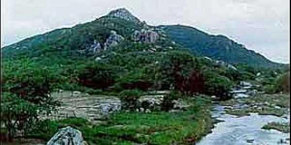 serra da Arara, às margens do rio Pontegi