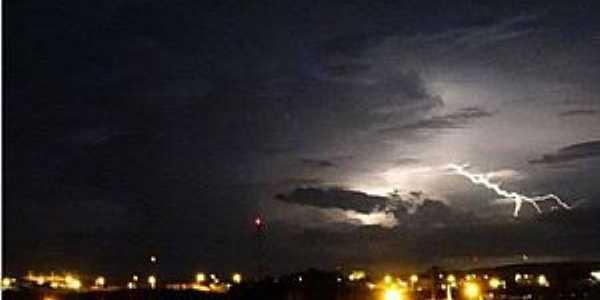 Currais Novos-RN-Vista noturna da cidade-Foto:Wilson Fabiano
