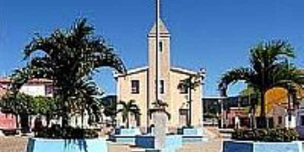 Praça e Igreja em Doutor Severiano-Foto:doutorseverianonews.