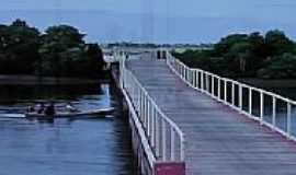 Guamar� - Ponte na entrada de Guamar�-Foto:Ded� de Z� Luca