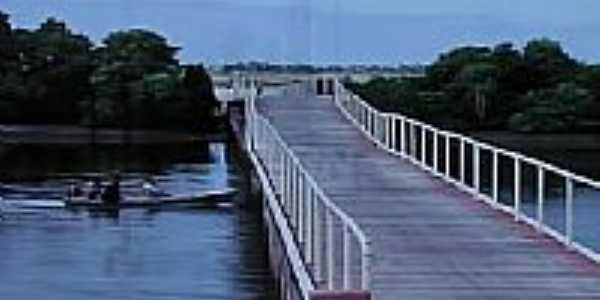 Ponte na entrada de Guamar�-Foto:Ded� de Z� Luca
