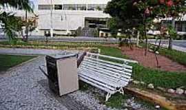Ielmo Marinho - Praça-Foto:jornaldehoje.com.br