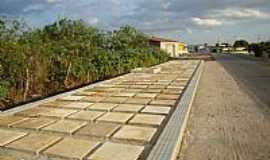 Jaçanã - Calçada da entrada de Jaçanã-RN-Foto:.Nilson.Auzê