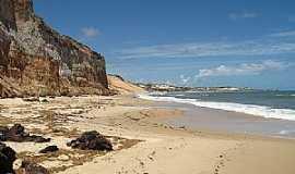 Nísia Floresta - Nísia Floresta-RN-Falésias e praia em Barra de Tabatinga-Foto:ELAINE KAWABE