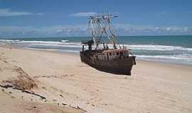 Nísia Floresta - Nísia Floresta-RN-Navio naufragado na Praia de Búzios-Foto:lluiscanyet