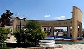 Pendências - Praça Levani de Freitas