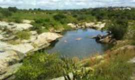 Pilões - barragem no período do inverno, Por Elaine de araújo Gomes