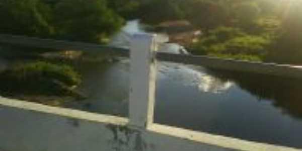 ponte com vista para o rio, Por Elaine de araújo Gomes