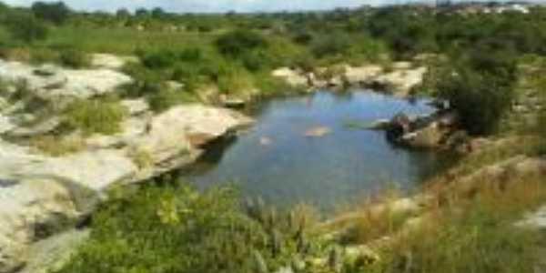 barragem no período do inverno, Por Elaine de araújo Gomes