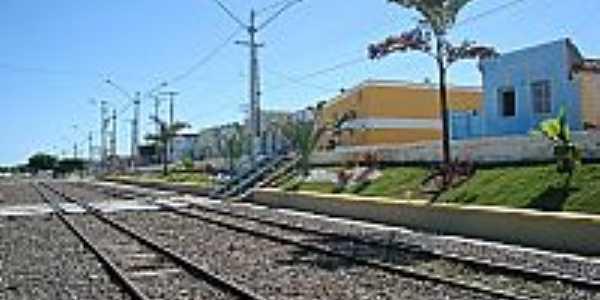 Itatim-BA-Linha Férrea na cidade-Foto:EFUSÃO