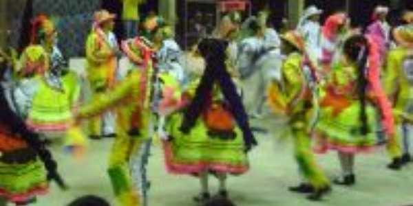 festa junina, Por Luana e  Bruno