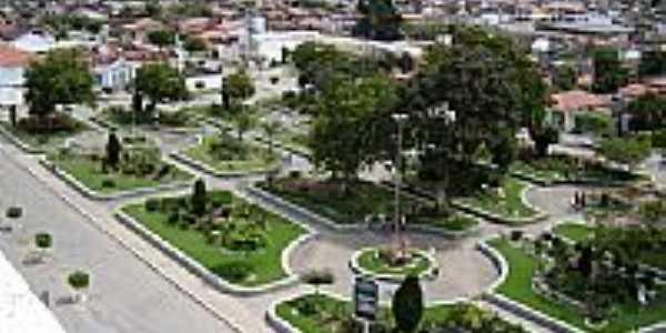 Itiruçu-BA-Praça Rafael Oliveira-Foto:www.blogdaresenhageral.com.br