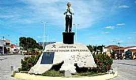 São Paulo do Potengi - Monumento dedicado ao Monsenhor Expedito – Profeta das Águas