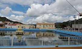 Iti�ba - Iti�ba-BA-Fonte luminosa no centro-Foto:Gentille