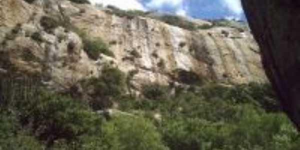 Com 3,4 bilhões de anos, faz parte da Era Arqueozóica do período Pré- Cambriano., Por Yure Santiago