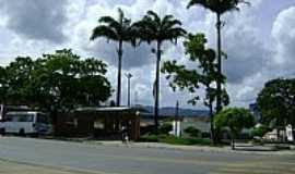 Itororó - Praça Henrique Brito em Itororó-BA-Foto:mauricioppires