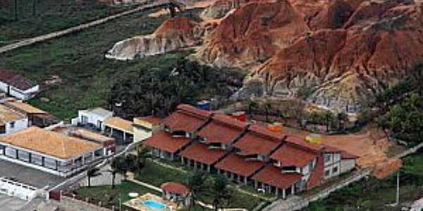 Tibau-RN-Casas e falésias na orla-Foto:TIBAU NOTICIAS