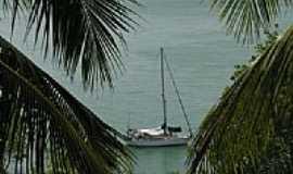 Tibau do Sul - Veleiro na praia de Tibaú do Sul-RN-Foto:EDUARDO FIGUEIREDO