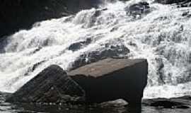 Ituberá - Cachoeira de Pancada Grande em Ituberá-BA-Foto:brunolhas
