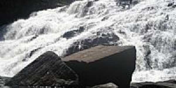 Cachoeira de Pancada Grande em Ituber�-BA-Foto:brunolhas