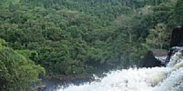 Do alto da Cachoeira de Pancada Grande em Ituber�-BA-Foto:brunolhas