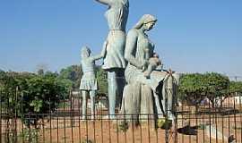 Guajará Mirim - Guajará Mirim-RO-Monumento às Mães-Foto:Julio de Ramos