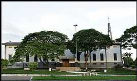 Jaru - Jaru-RO-Vista lateral da Igreja de São João Batista-Foto:Nélio Oliveira