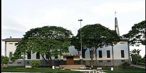 Jaru-RO-Vista lateral da Igreja de São João Batista-Foto:Nélio Oliveira