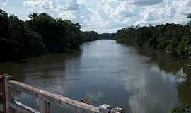 Amajarí - Amajarí-RR-Ponte sobre o Rio Amajarí-Foto:diogoman